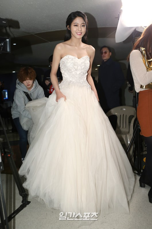 seol gown 22