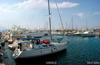 Photo: Unsere Chartersegeljacht, Jeanneau Sun Odyssey 35 von Athen Kalamaki ging die Fahrt zu den Kikladen und deren Inseln.