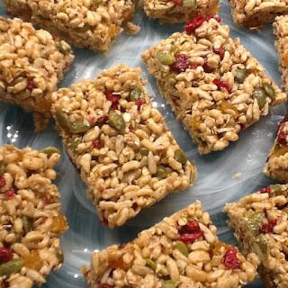The Best Healthy Homemade Granola Bars.