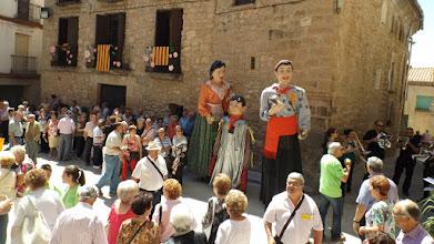 Photo: Els Gegants d'Alcanó es van afegir a la Festa.