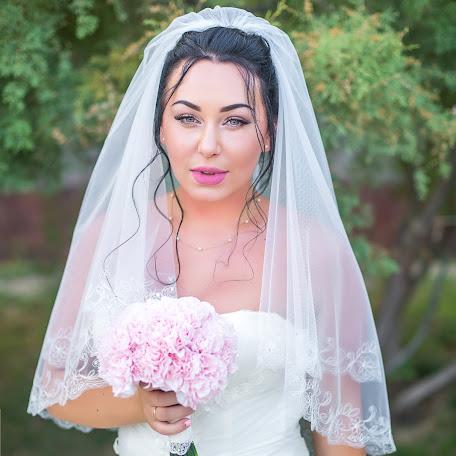 Wedding photographer Valeriya Karatunova (ValeriaV). Photo of 14.10.2016