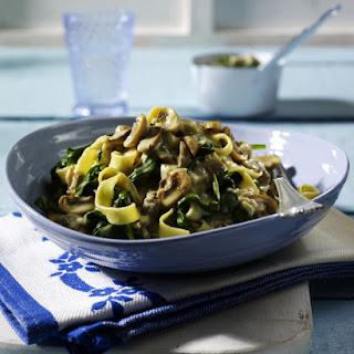 Creamy Spinach and Mushroom Pasta.