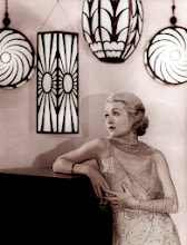 Photo: A relatively simple star photo uses Art Deco lamps to again underscore the aestheticism of the image.