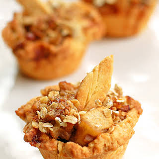 Mini Apple Pie Recipe and Thanksgiving Dessert Ideas.