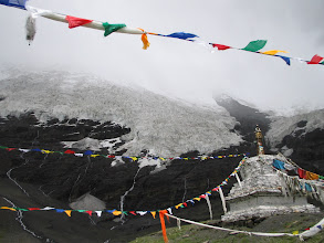 Photo: On the way to Mt. Everest base camp