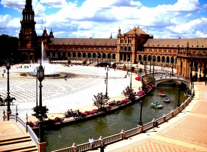 Plaza de Espana di nibiru