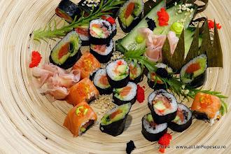 Photo: Platou sushi cu somon si ton