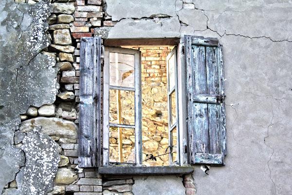 vecchia finestra di Alessio Ferri