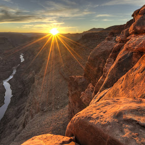 Toroweap (Sunset) by Cliff LaPlant - Landscapes Sunsets & Sunrises ( opens spaces, america, grand canyon national park, bright, sandstone, rock, beauty, landscape, usa, photography, sun, grand canyon, nps, sky, nature, grand, arizona, sierralara, sunrays, nikon, evening, light, clouds, sand, wild, desert, afternoon, open space, colorado, canyon, toroweap, scenic, united states, united states of america, colorado river, national park, environment, blue, sunset, sunrise, scenery, outside, river,  )
