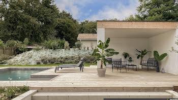 villa à Blanquefort (33)