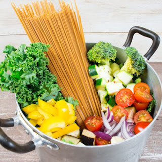 Vegan One Pot Spaghetti with Vegetables.
