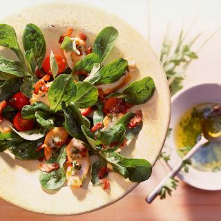 Feldsalat mit gebratener Hähnchenbrust