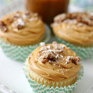 White Chocolate Alfajor Cupcakes.