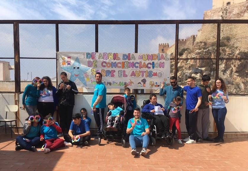 Almería. Atención al Autismo, 1º y 6º