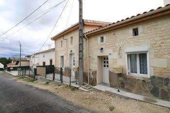maison à Saint-Sorlin-de-Conac (17)
