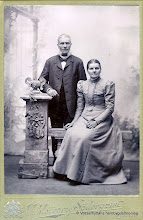 Photo: Bäckhaga 1899. Per-Erik och Maria Andersson