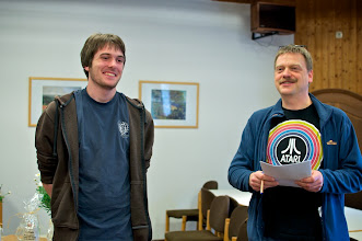 Photo: Dominik Wegner (9k/Bochum) hat gut lachen. Der Jugend-Nachwuchs-Preis geht an ihn und nun bekommt er 1 Jahr die Startgelder für alle deutschen Turniere