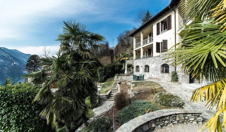 Villa avec jardin et terrasse Cressogno