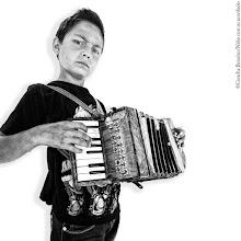 Photo: © Concha Beneito, Niño con su accordéon