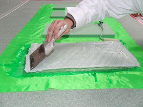 Photo: Test de stratification avant production, tous les éléments de l'Atomium seront pesés avant validation de construction - 1.12.2008