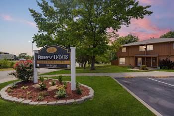 Go to Freeway Homes Apartments website