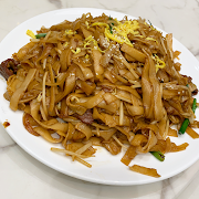 80. Stir Fried Rice Noodle with Beef 乾炒牛河