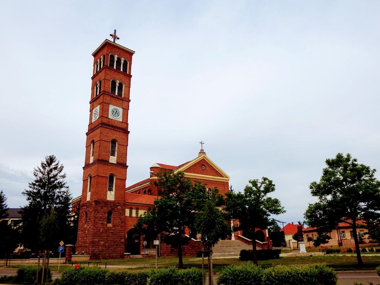 Szombathely - Szalézi Szent Quirin rk. templom