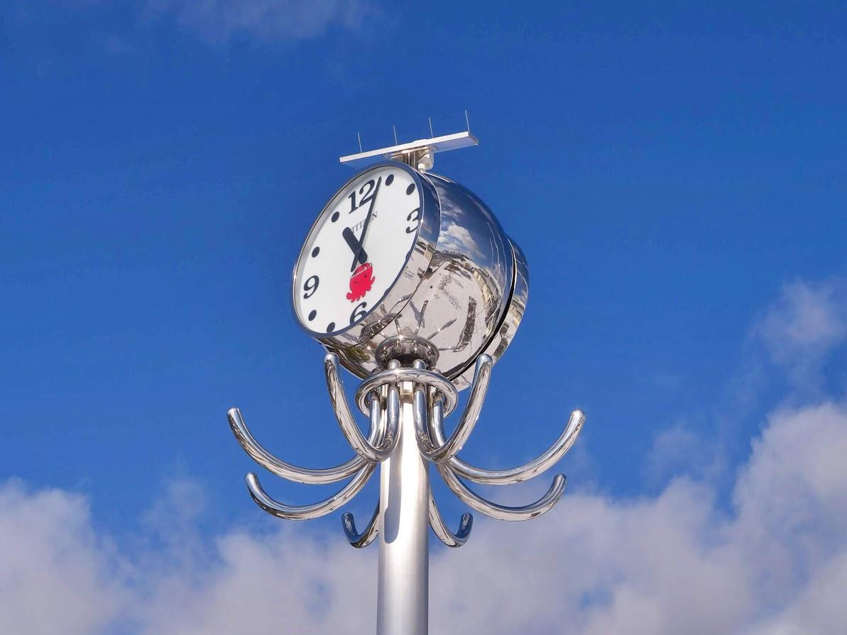 ベイサイドアリーナのタコ時計(2)