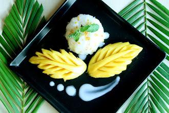 Photo: Thai food : Sweet sticky rice with mango
