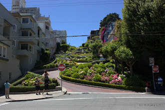 Photo: Lombard Street w San Francisco
