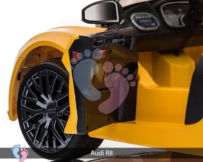 Xe hơi điện thể thao Audi R8 10
