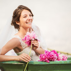 Wedding photographer Karina Savina (KarinaS). Photo of 04.10.2014