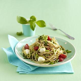 Quick Tomato and Zucchini Spaghetti