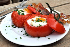 Eggs Baked In Tomato Cups
