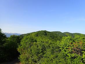 中央に蛇尾山、右に白兀山