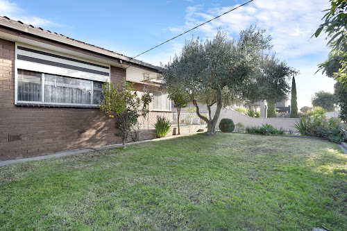 Photo of property at 181 Kingsway Drive, Lalor 3075