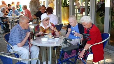 Photo: Aufmerksame Zuhörer auch beim Essen