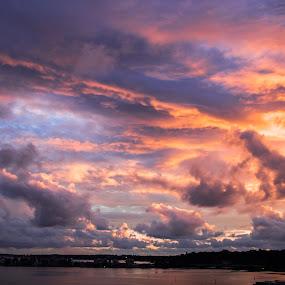 Cloudy sunset spectaclar by Clarissa Human - Landscapes Sunsets & Sunrises ( cloudy, sunset, cloudscape, cloucs, sunsets,  )