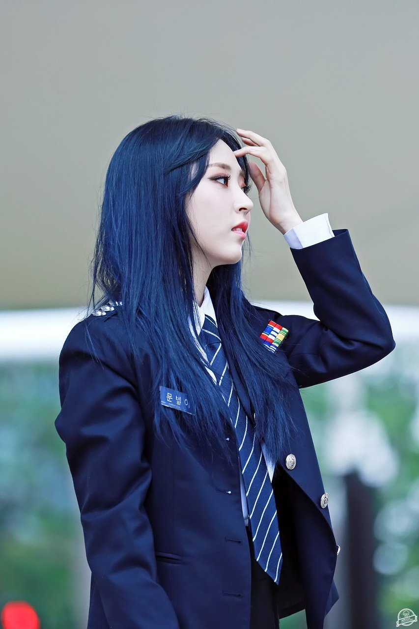 moonbyul blue 2