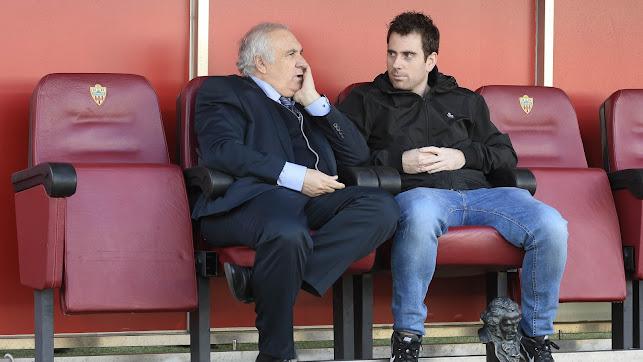 Alfonso García necesita estar cerca de sus jugadores.