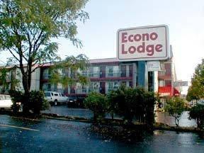 Econo Lodge East Port