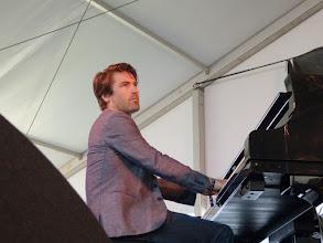 Photo: Dan Tepfer playing with Lee Konitz