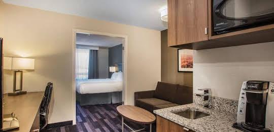 Holiday Inn & Suites Grande Prairie