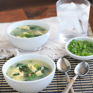 Quick and Easy Spinach Egg Drop Soup.