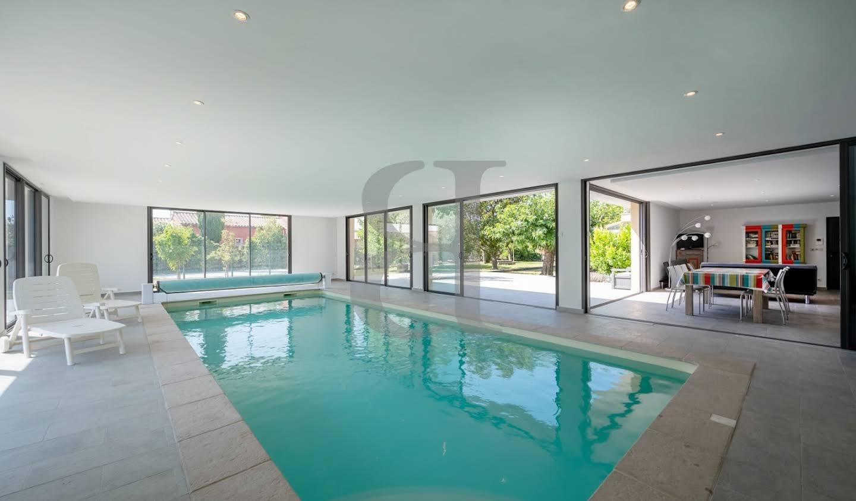Villa avec piscine Althen-des-Paluds