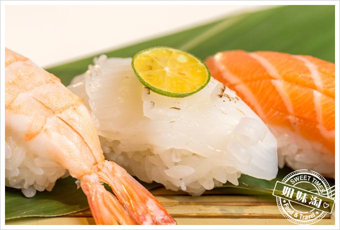 碳鰭日式家庭料理花枝握壽司
