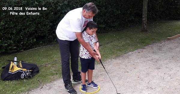 Initiation à la pratique du golf à la Fête des Enfants à Voisins le Bretonneux
