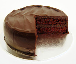 Photo: Random choclate cake and here is the link its youtube so it shuld be easy for u to folow HOW TO MAKE CHOCOLATE CAKE