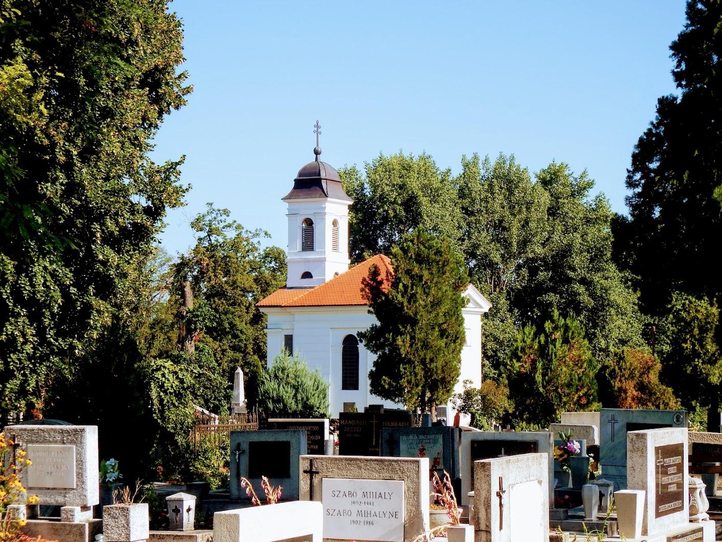 Esztergom - Miklósffy-kápolna a szentgyörgymezői temetőben