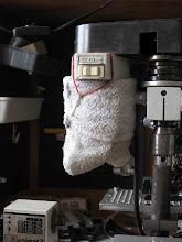 Photo: le moteur d'origine chauffe vite il est prévu pour un usage intermitant donc climatiseur fait avec un gant de toilette que l'on umidifie , c'est efficace le moteur étant étanche il ne craint rien...
